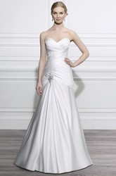 A-Line Sleeveless Long Sweetheart Criss-Cross Satin Wedding Dress With Broach And Backless Style