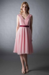 Knee-Length A-Line Sleeveless Ruched V-Neck Chiffon Bridesmaid Dress