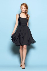 Square-Neck Short A-Line Bridesmaid Dress With Lace Detail