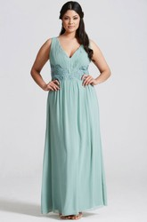 V-Neck Appliqued Sleeveless Chiffon Bridesmaid Dress With Ruching And Straps