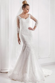 Mermaid Appliqued V-Neck 3-4 Sleeve Lace Wedding Dress With Court Train