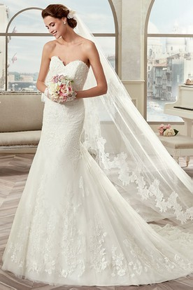 Sweetheart Sheath Mermaid Bridal Gown With Open Back And Brush Train