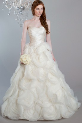 A-Line Strapless Ruffled Tulle Wedding Dress With Flower And Court Train
