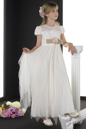 A-Line Scoop-Neck Maxi Short-Sleeve Appliqued Tulle Flower Girl Dress With Flower