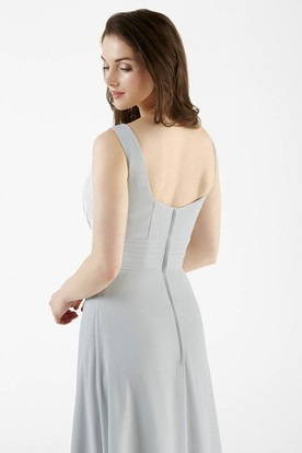 Sheath Maxi Sleeveless Bateau-Neck Chiffon Bridesmaid Dress