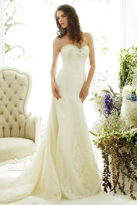 Sheath Sweetheart Appliqued Sleeveless Lace Wedding Dress