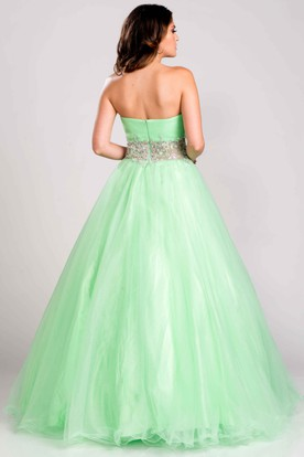 d65db142c1a2 Tulle Sweetheart A-Line Prom Dress Featuring Crystal Detailed Waist