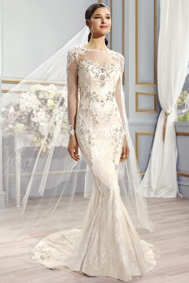 Floor-Length Bateau Long-Sleeve Appliqued Lace Wedding Dress