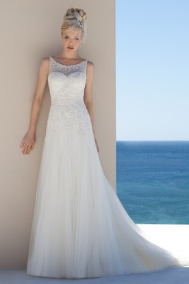 A-Line Beaded Long Scoop-Neck Sleeveless Tulle Wedding Dress With Appliques