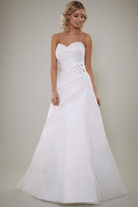 A-Line Sleeveless Floral Sweetheart Satin Wedding Dress