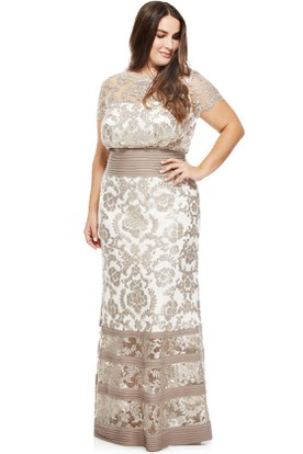 Bateau Neck Appliqued T-Shirt Sleeve Lace Evening Dress With Illusion Back