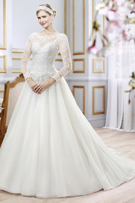 Floor-Length Scoop Appliqued Chiffon Wedding Dress With Court Train And V Back