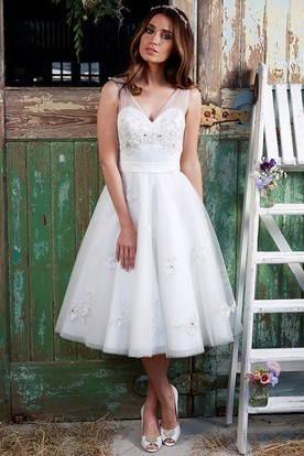 A-Line Appliqued Tea-Length V-Neck Sleeveless Tulle Wedding Dress