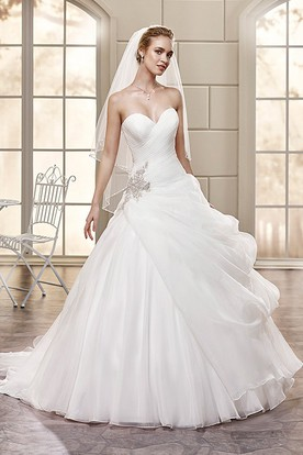 Ball Gown Long Sweetheart Organza Wedding Dress With Criss Cross And Ruffles