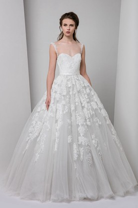A-Line Ball-Gown Sleeveless Floor-Length Appliqued Bateau Tulle Wedding Dress With Illusion Back And Ruffles
