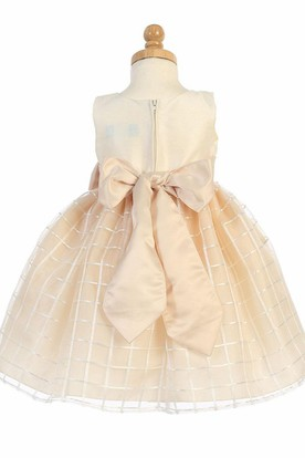 Tea-Length Sleeveless Bowed Organza Flower Girl Dress