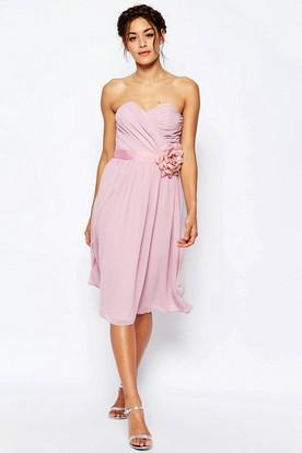 Knee-Length Sweetheart Chiffon Bridesmaid Dress With Criss Cross And Bow