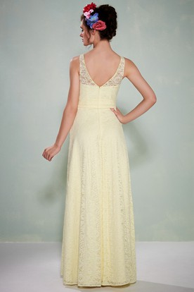 Scoop Neck Sleeveless Lace Bridesmaid Dress With Low-V Back