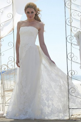 Strapless Long Appliqued Sleeveless Lace Wedding Dress