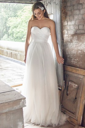 Long Sweetheart Criss-Cross Tulle Wedding Dress With Sweep Train And V Back