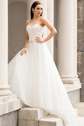 A-Line Sleeveless Criss-Cross Sweetheart Tulle Wedding Dress