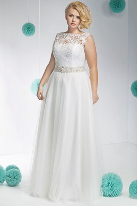 Sleeveless Jeweled Bateau-Neck Floor-Length Tulle&Lace Plus Size Wedding Dress