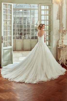 Sweetheart Wedding Dress With Pleated Tulle Skirt and Half Sleeves