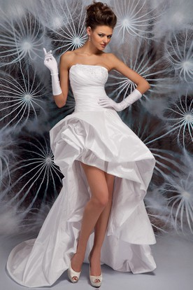 High-Low Strapless Ruffled Appliqued Satin Wedding Dress With Sweep Train