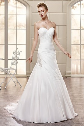 A-Line Sweetheart Beaded Sleeveless Floor-Length Satin Wedding Dress With Side Draping