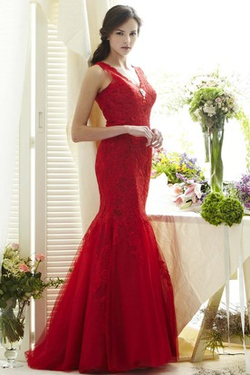 Mermaid Appliqued V-Neck Floor-Length Sleeveless Lace Prom Dress With Low-V Back And Broach