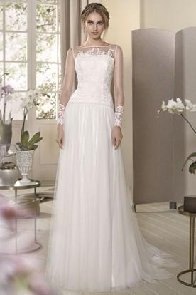 Sheath Maxi Long-Sleeve Bateau-Neck Appliqued Tulle Wedding Dress