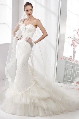 Sweetheart Sheath Lace Gown With Floral Bust And Tiers Train