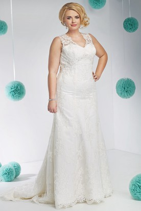 V-Neck Long Appliqued Sleeveless Lace Plus Size Wedding Dress
