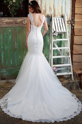 Trumpet Cap-Sleeve Long Appliqued V-Neck Lace Wedding Dress With Beading And Watteau Train