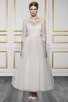 Ankle-Length Bateau Neck 3-4 Sleeve Appliqued Tulle Wedding Dress