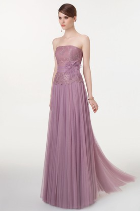 A-Line Sleeveless Appliqued Floor-Length Strapless Tulle Prom Dress With Flower And Pleats