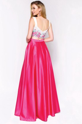 A-Line Sleeveless Satin Low-V Back Dress With Appliques And Flower
