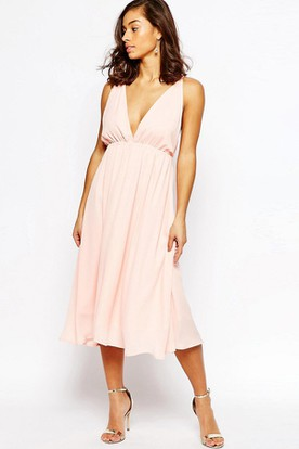 Tea-Length V-Neck Sleeveless Pleated Chiffon Bridesmaid Dress