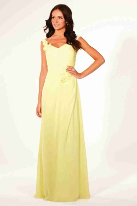 Best prom dress style for broad shoulders