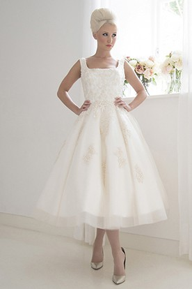 Tea-Length A-Line Sleeveless Square Neck Appliqued Tulle Wedding Dress