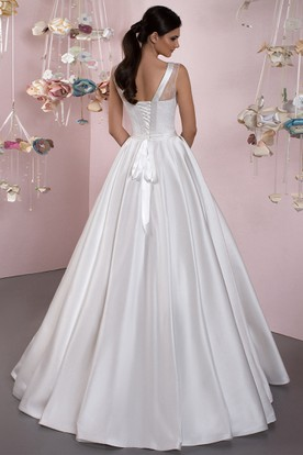 A-Line Lace Sleeveless Scoop Floor-Length Satin Wedding Dress With Lace-Up Back And Bow