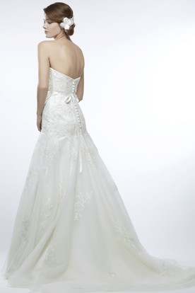 Sheath Long Sweetheart Tulle Wedding Dress With Appliques And V Back