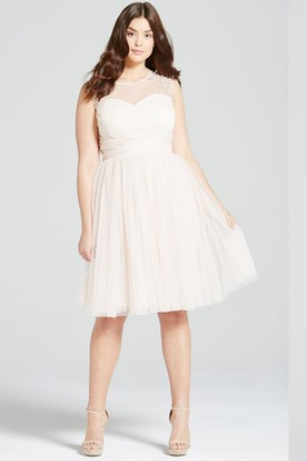 Knee-Length Beaded Scoop Neck Sleeveless Tulle Bridesmaid Dress