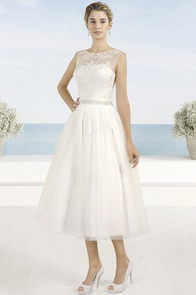A-Line Tea-Length Appliqued Scoop Neck Sleeveless Tulle Wedding Dress