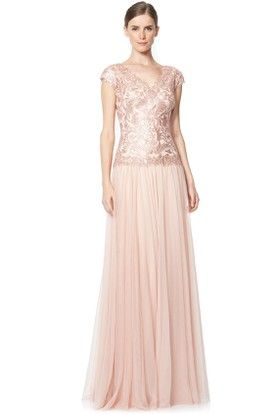 Sheath Long Cap-Sleeve V-Neck Sequined Tulle Evening Dress With Pleats
