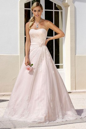 Maxi Strapless Appliqued Tulle Wedding Dress With Sweep Train