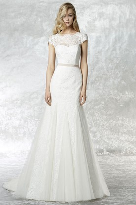 A-Line Cap Sleeve Bateau Neck Bowed Lace Wedding Dress With Court Train
