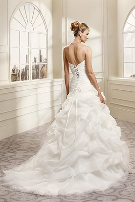 Ball Gown Floor-Length Pick-Up Sweetheart Organza Wedding Dress With Criss Cross And Appliques