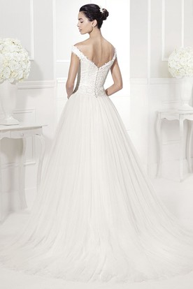 Off-Shoulder V Back Tulle Bridal Gown With Appliques