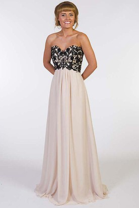 A-Line Sleeveless Appliqued Sweetheart Floor-Length Chiffon Prom Dress With Lace-Up Back